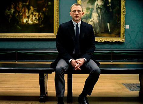 Arit and paintings in SkyFall James Bond