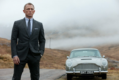 SkyFall James Bond Daniel Craig Aston Martin DB5