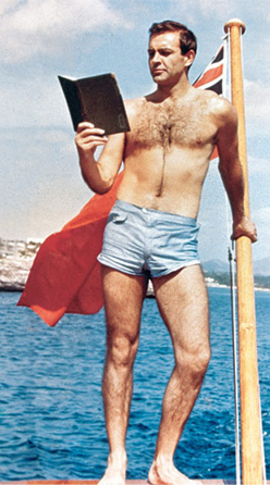 http://www.jamesbondlifestyle.com/sites/default/files/ckeditor/images/news/120529-shorts-sean-connery-2.jpg