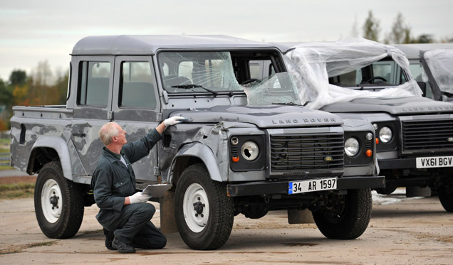 Land Rover Defender Double Cab SkyFall