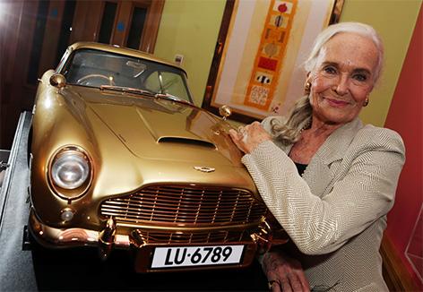 Aston Martin Db Gold Shirley Eaton