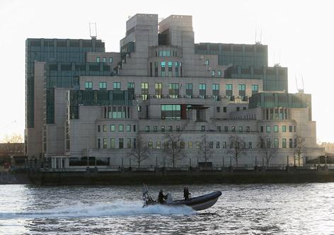 James Bond Bill Tanner Boat Thames London Spectre mi6 sis