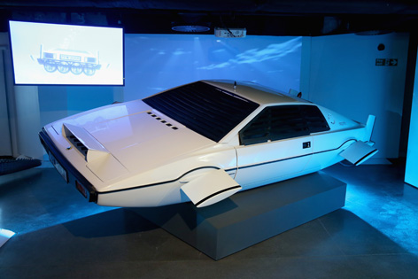 lotus esprit the spy who loved me submarine bond in motion
