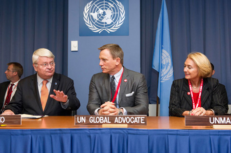 james bond daniel craig united nations ban ki moon global advocate mines 3