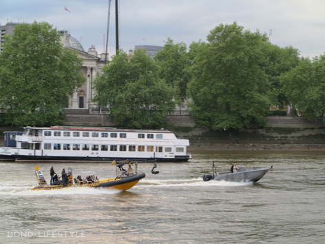 spectre filming thames