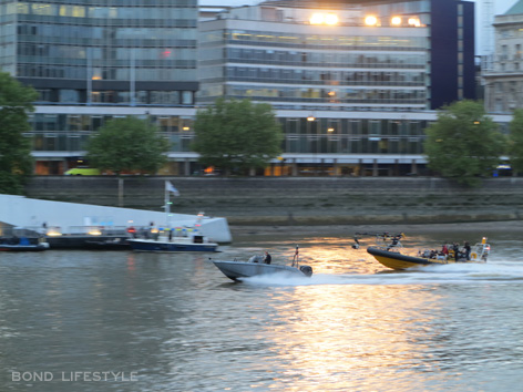 spectre thames filming