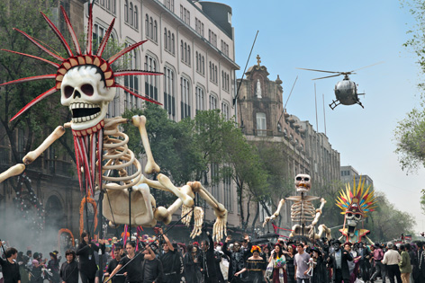 spectre mexico helicopter day of the dead