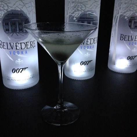 dirty belvedere vodka martini