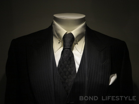Bond in Motion Tom Ford WIndsor three piece suit SPECTRE