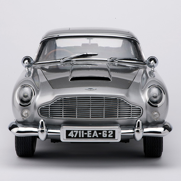 Aston Martin Db5 1 8 Scale Replica Now Available As