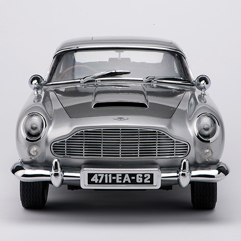 aston martin db5 1 8 scale front