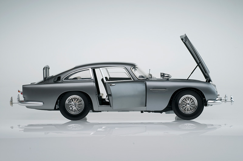 Aston Martin Db5 1 8 Scale Replica Now Available As Completed Model Bond Lifestyle