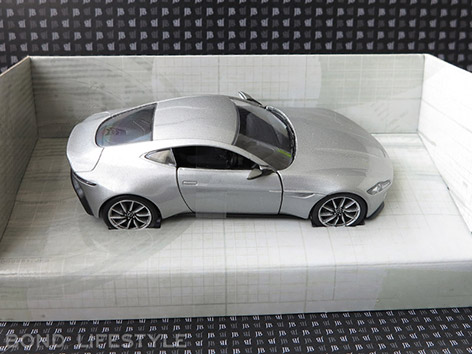 Corgi Aston Martin DB10 1 36 box open