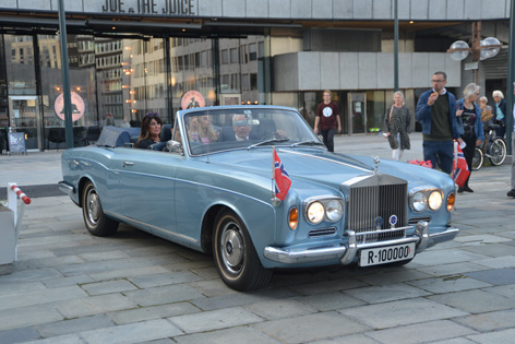 rolls royce corniche bond girls oslo