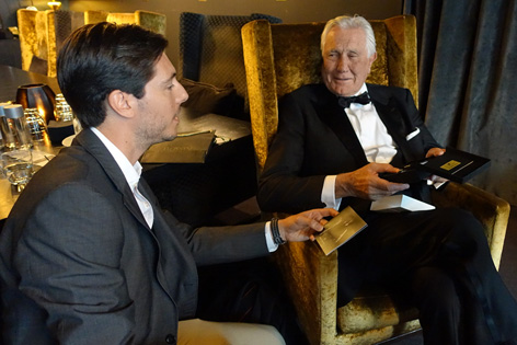george lazenby bond lifestyle cufflinks