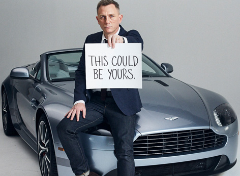 James Bond Daniel Craig Aston Martin Omaze UNMAS