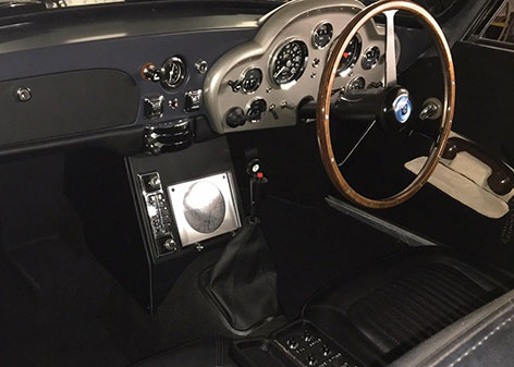 aston martin db5 gadgets interior model