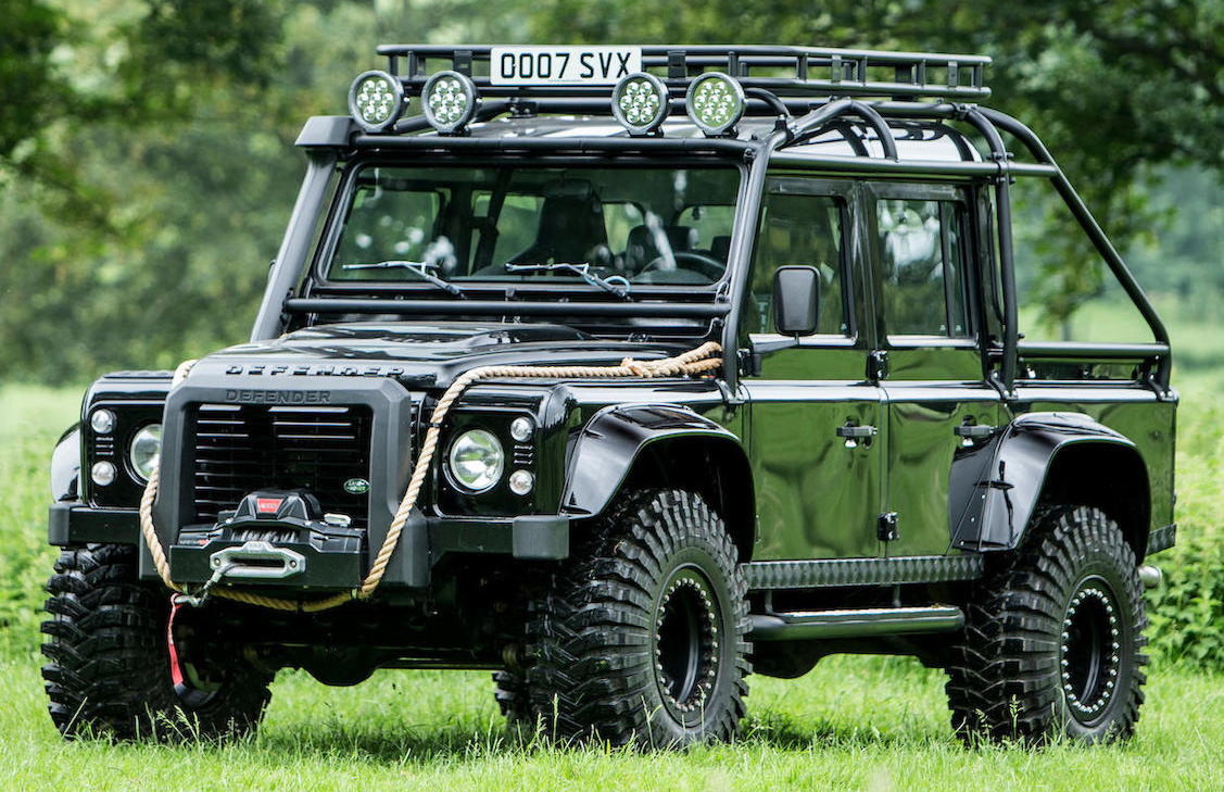 Land Rover Defender SPECTRE front side