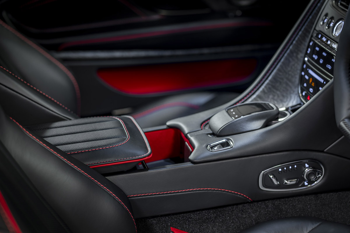 Aston Martin Dbs Superleggera Celebrates 50 Years Of On Her Majesty S Secret Service Freddythefox Net