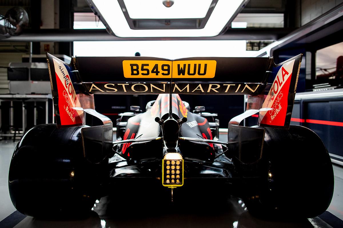 Aston Martin Celebrates James Bond Connection At British Grand Prix At Silverstone Freddythefox Net