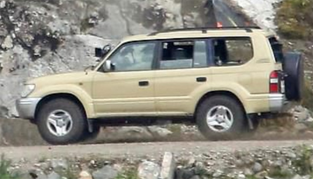 Toyota Land Cruiser 100 series BOND 25