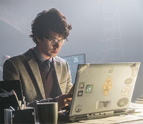 Q laptop SPECTRE Ben Whishaw