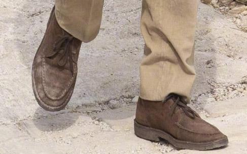 Crosby Moc-Toe Chukka Boots