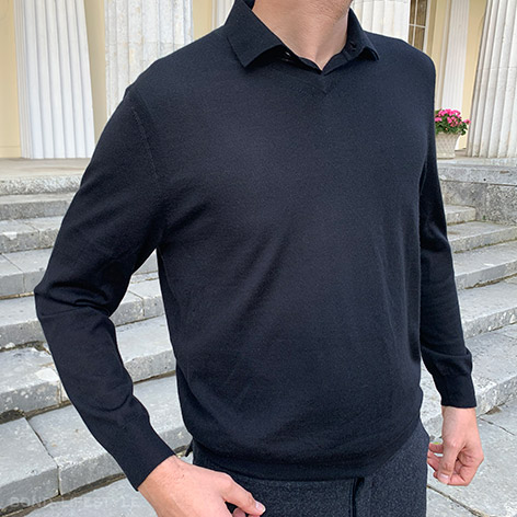 N.Peal 007 black v-neck sweater and polo shirt worn by Bond Lifestyle