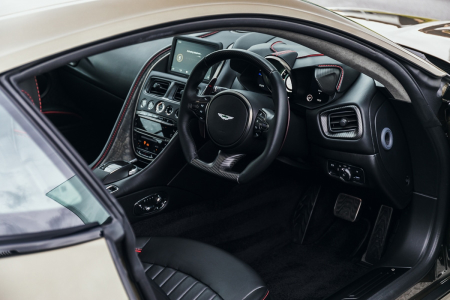 Limited Edition 2019 Aston Martin Dbs Superleggera Ohmss On Auction At Silverstone Auctions Bond Lifestyle