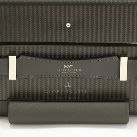 007 Limited Edition Carbon Fibre Carry-on Trolley Case with 4 wheels detail