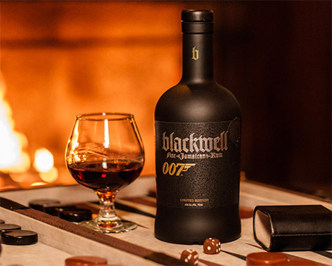 Blackwell Rum 007 Limited Edition logo game fireplace glass