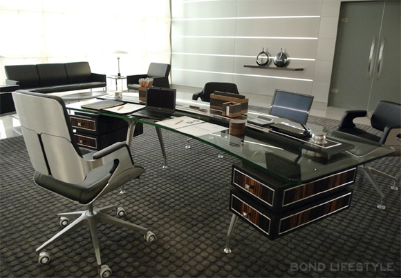 Superieur Mu0027s Desk From Mu0027s Point Of View, With Her Interstuhl Silver Chair 262S.