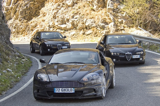 aston martin quantum of solace. bond in his badly damaged aston martin dbs, being chased by two alfa romeo 159 quantum of solace a
