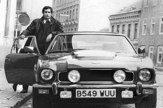 Aston Martin V8 Vantage Series Iii Bond Lifestyle