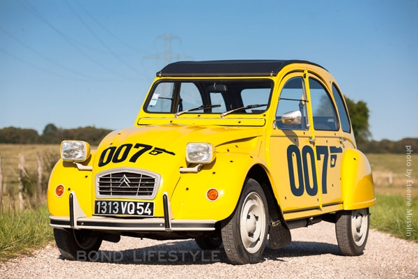 beautifully restored Citroën 2CV 007 edition with the 007 logo and ... Mi6