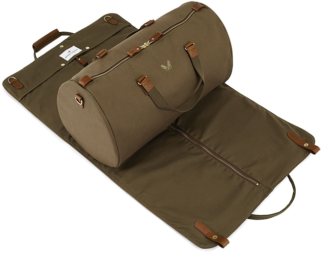 Bennett Winch The S.C Holdall is a holdall and suit carrier - each element can be used separately.