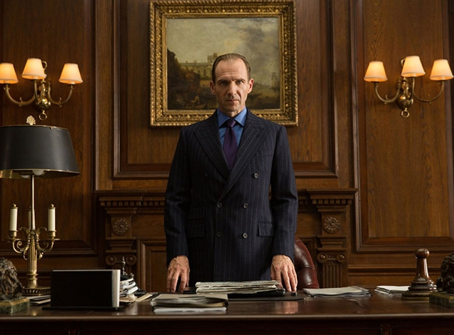Ralph Fiennes as M wearing a Timothy Everest bespoke suit in SkyFall