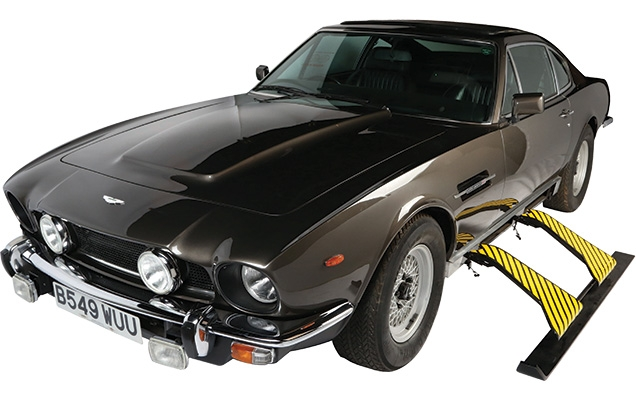 Aston Martin V8 Vantage Series III with optional extras