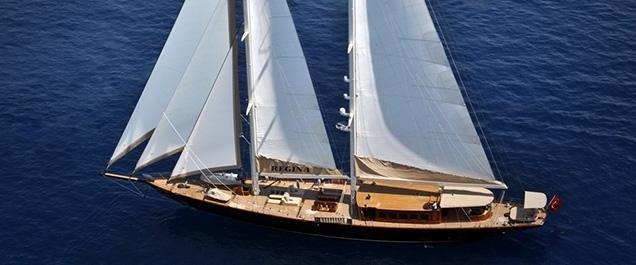 Pruva Regina yacht