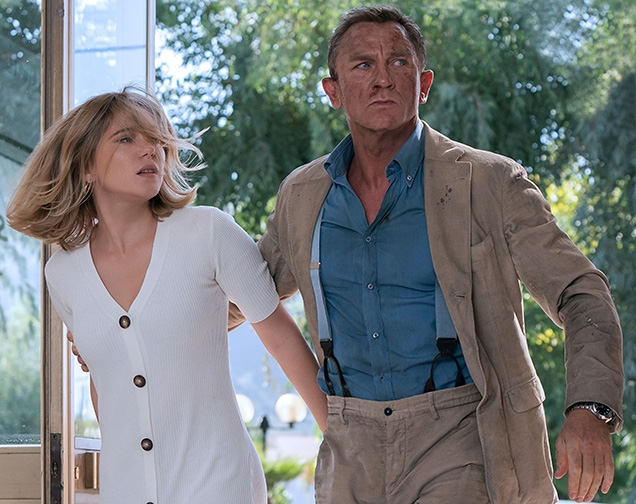 Lea Seydoux as Madeleine Swann wearing the Massimo Dutti Ribbed Dress, while Bond wears a Massimo Alba corduroy suit