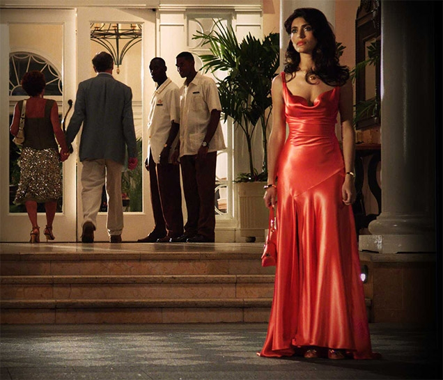 Caterina Murino wearing the Jenny Packham Lace-Up Gown in Casino Royale.