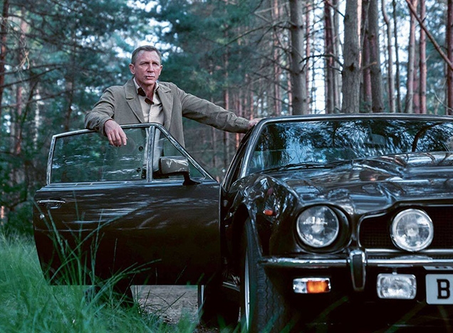 James Bond wears a Connolly x Finamore shirt in No Time To Die