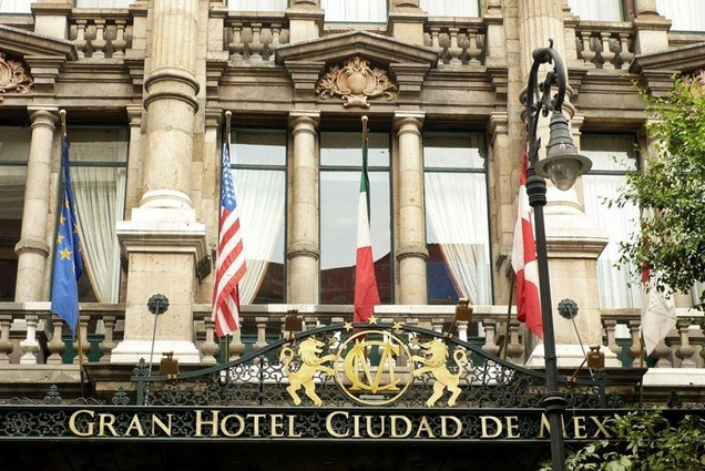 Gran Hotel Ciudad de México (this entrance is not seen in the film)