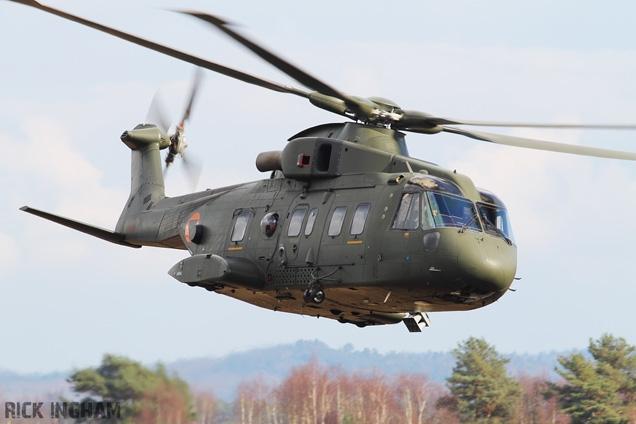 vi007-agustawestland-aw101-helicopter-skyfall.jpg?itok=XfQ8J4Nu