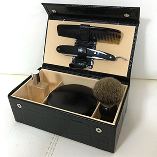 James Bond's Grooming Set in SkyFall