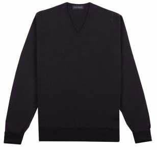 http://www.jamesbondlifestyle.com/sites/default/files/styles/semi_width_image/public/images/product/cl058-john-smedley-bobby-v-neck-pullover_0.jpg