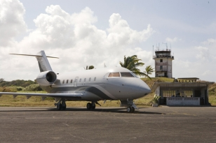 photo © EON, United Artists, Danjaq LLC