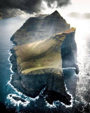 photo © Guide to Faroe Islands