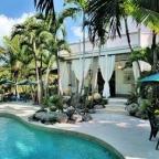 James Bond villa Florida